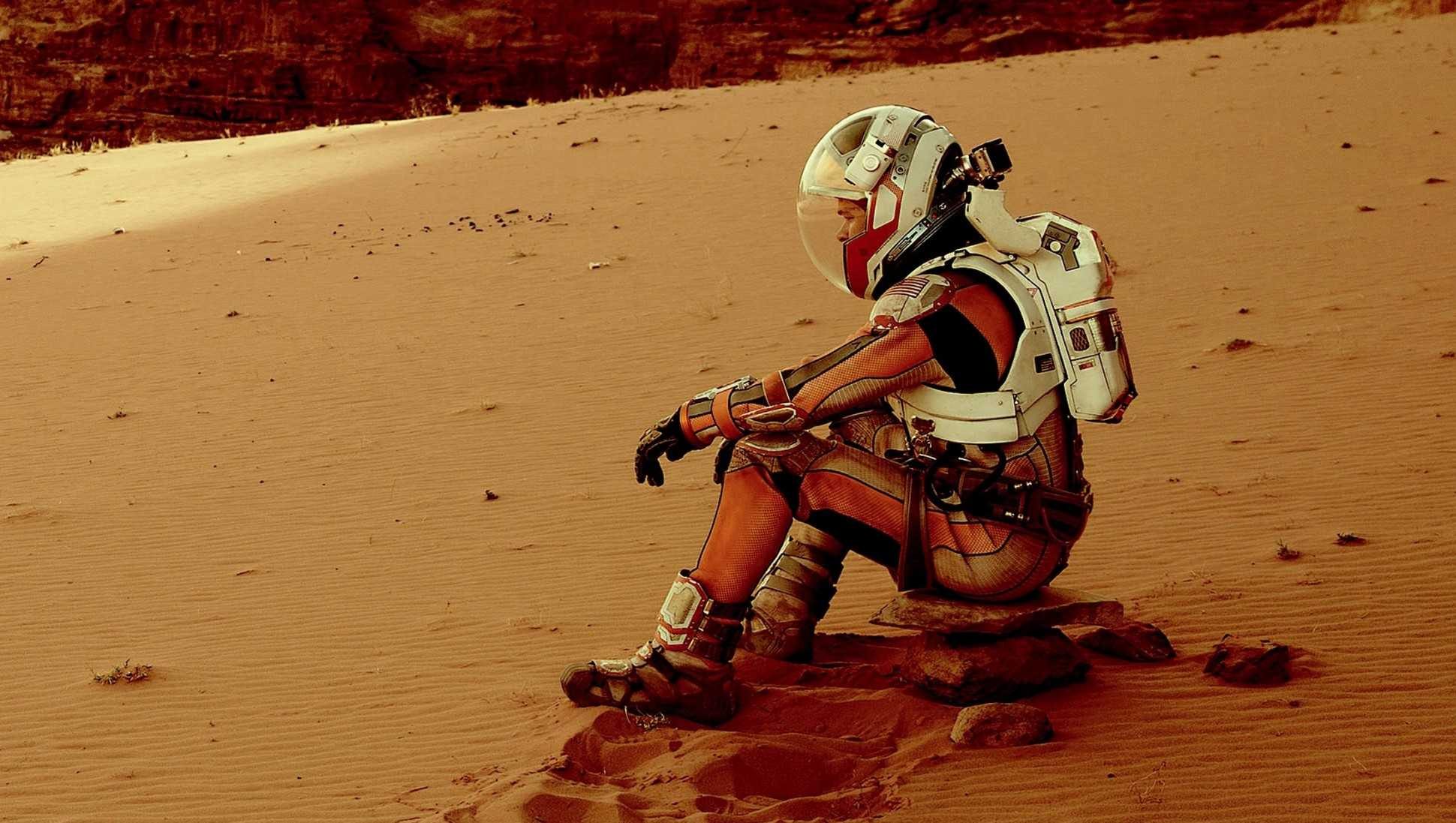 http://blogs-images.forbes.com/erikkain/files/2015/10/The-Martian-Matt-Damon.jpg