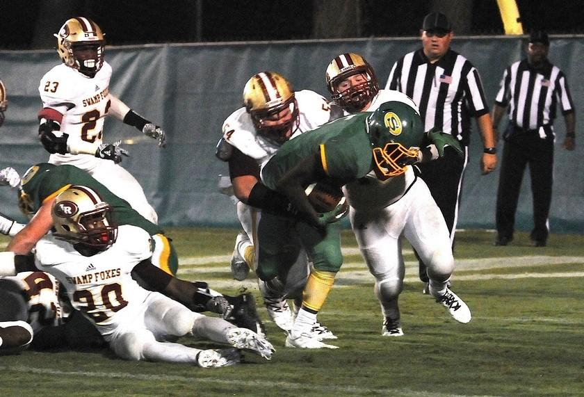 Hombre Kennedy, Ben Mitchum gets a tackle on Summerville!