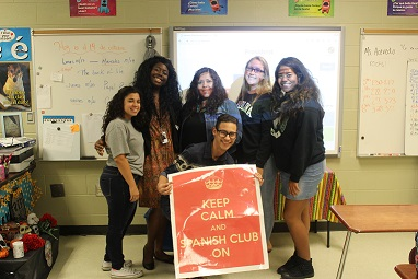 Spanish Club Elects New Students into Office