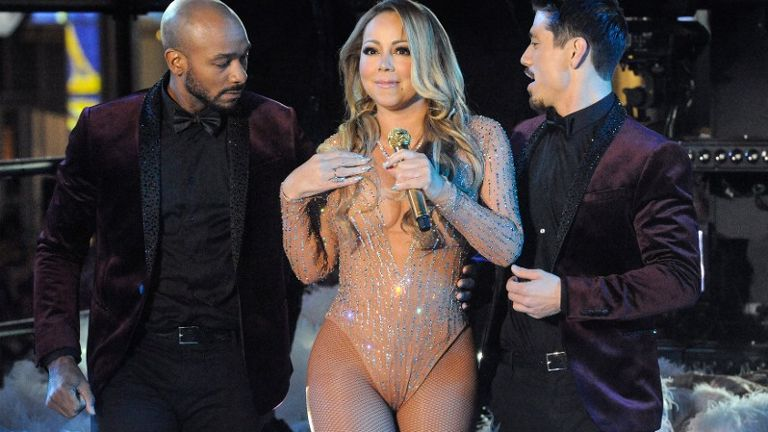 Mariah+Carey+performs+during+a+concert+in+Times+Square+on+New+Year%27s+Eve+in+New+York%2C+Dec+31%2C+2016