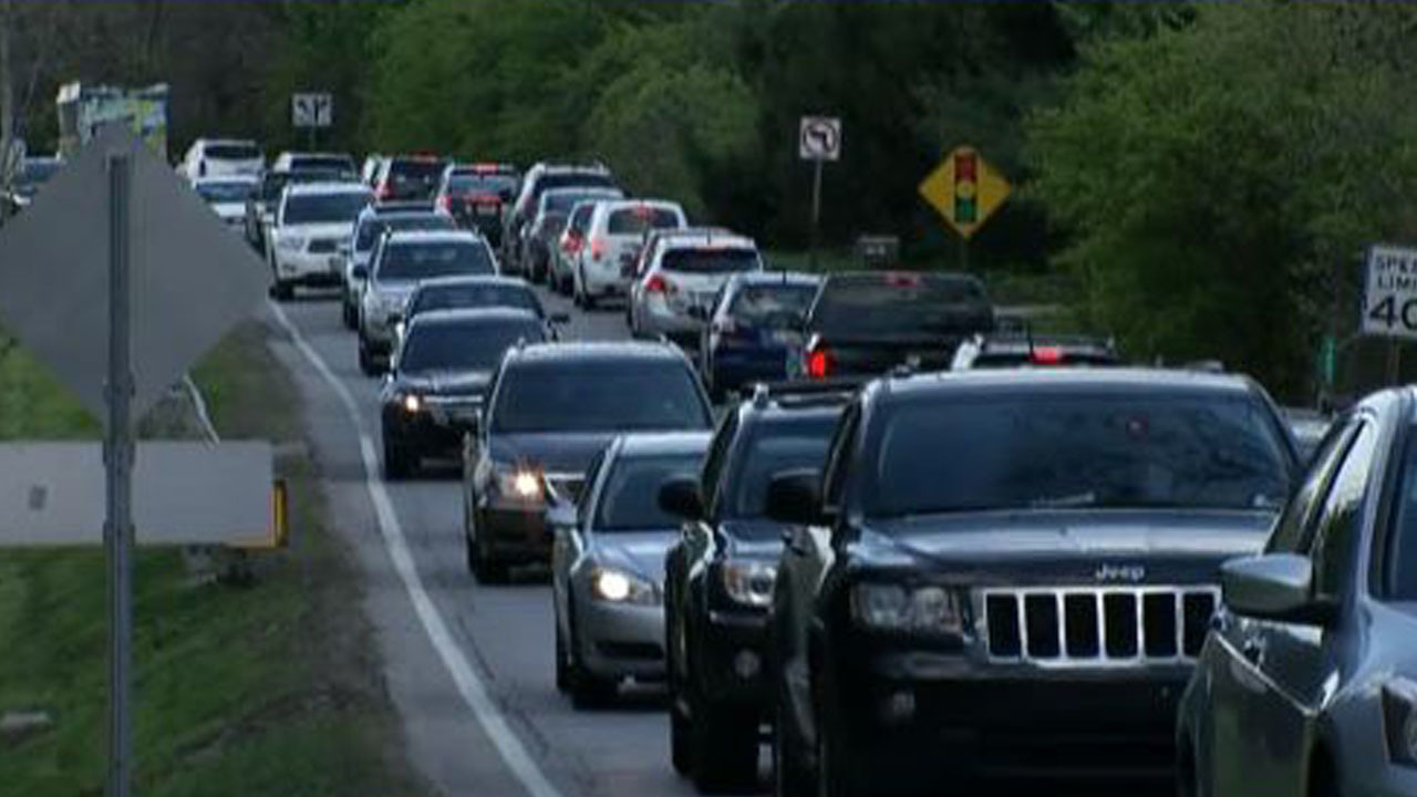 Bumper-to-bumper traffic.  Credit: https://www.counton2.com/news/local-news/mcmaster-requesting-scdot-to-develop-two-way-traffic-plan-on-wando-bridge/1185277529