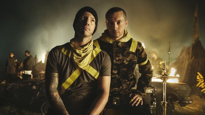 Tyler+Joseph+and+Josh+Dun.+Credit%3A+https%3A%2F%2Fmusicfeeds.com.au%2Ffeatures%2Ftwenty-one-pilots-meaning-new-album-trench-blurryface-real-name%2F