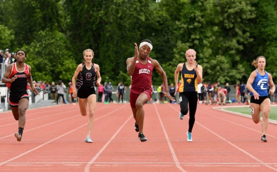 Andraya Yearwood breezing past biological females in women's track at a highschool meet.