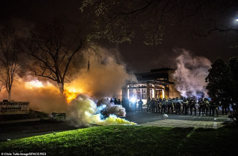 Minneapolis Terrified as Riots and Looting Continue While Chauvin Trial Wraps Up